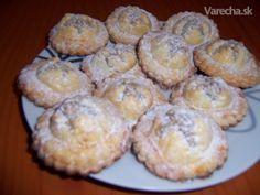 Orechové ravioli (fotorecept) - Recept Czech Recipes, Ravioli, 20 Min, Breakfast, Cake, Czech Food, Basket, Morning Coffee, Kuchen