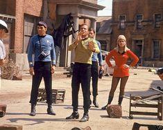The Star Trek Gallery: Behind the scenes Star Trek Crew, Star Trek Tv, Star Trek Original Series, Star Trek Series, Tv Series, Star Trek Season 1, Star Trek Posters, Star Trek Generations, Start Trek