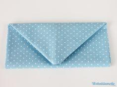 Servietten falten: Anleitung für einen Briefumschlag