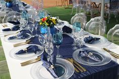 Traditional Wedding Decor, African Traditional Wedding, Wedding Reception Layout, Wedding Ideas, African Accessories, Wedding Table Decorations, Diy Organization, Party Planning, Projects To Try