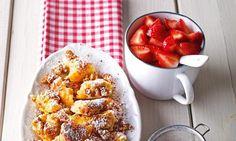 Quarkschmarrn mit Walnüssen und Erdbeeren