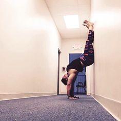Handstand Hollowback