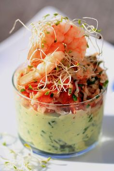 Verrine of avocado crab Seafood Recipes, Appetizer Recipes, Cooking Recipes, Healthy Recipes, Easy Cooking, Tapas, Avocado Salat, Appetisers, Fabulous Foods