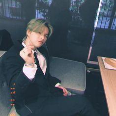 """[KONSTAGRAM] withikonic posted photos of jinhwan looking fine in a suit! Yg Entertainment, Bobby, Yg Groups, Rapper, Warner Music, Jay Song, Ikon Kpop, Ikon Wallpaper, Laptop Wallpaper"