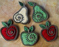 OF MICE AND raMEN: Felt & Zipper Crafts by Odile Gova