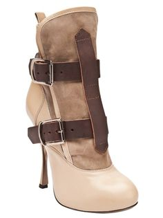 Vivienne Westwood pirate ankle boots. I want these please!!