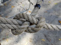 Know your knots - how to tie a sheet bend knot