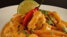 Curry de gambas con leche de coco Garam Masala, Saffron Chicken, Comida India, Mango Salsa Recipes, Chicken Wings, Thai Red Curry, Cucumber, Pasta, Vegan