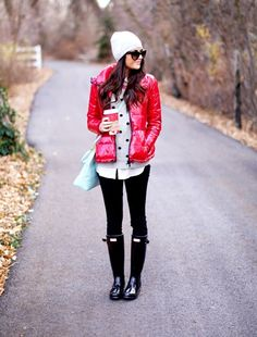 I'd never wear that bright of a color with regards to the jacket, but this is a cute look. There are those Hunter boots again.