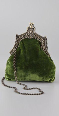 House of Harlow - vintage green velvet purse Vintage Purses, Vintage Bags, Vintage Handbags, Vintage Clutch, Vintage Shoes, Mode Vintage, Vintage Love, Vintage Green, Vintage Velvet