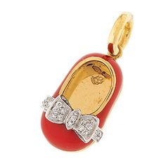 18K red shoe with .11 cts diamond bow