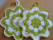 Great Totally Free Crochet Doilies sunflower Tips Topflappen Crochet Easter, Crochet Bee, Crochet Hot Pads, Quick Crochet, Crochet Hooks, Free Crochet, Crochet Doilies, Crochet Potholder Patterns, Sewing Patterns Free