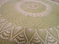 Manufaktura Rękodzieła - obrus ze wzorem ananasa, zrobiony na szydełku