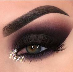 Gorgeous Makeup: Tips and Tricks With Eye Makeup and Eyeshadow – Makeup Design Ideas Shimmer Eye Makeup, Eyeshadow Makeup, Makeup Brushes, Black Smokey Eye Makeup, Pink Smokey Eye, Bright Eyeshadow, Smokey Glitter Eye, Brown Eyeshadow Looks, Smoke Eye Makeup