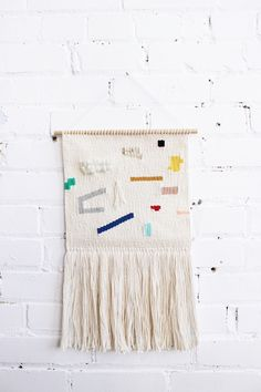 This Handmade Woven Wall Hanging is such a cool addition to a room, it adds texture to a decor and it's super trendy right now. Hanging Mobile, Hanging Art, Wall Hanging Designs, Macrame Wall Hanging Diy, Textiles, Tapestry Weaving, Fabric Paper, Memphis, Loom