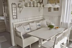 DIY Shabby Kitchen Decor Ideas That Will Add Value To Any Home Do you consider yourself to be an expert in home improvement? Can you tackle some of the biggest and most complex projects in your own home? Try reading these tips to inc Swedish Cottage, Cottage Style, Farm House Colors, Kitchen Benches, Scandinavian Living, White Decor, Country Kitchen, Kitchen Design, Living Spaces
