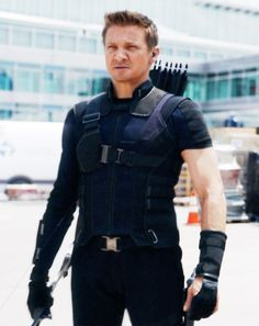 Hawkeye - CAPTAIN AMERICA: CIVIL WAR << aaand we're back to the purple outfit, I see. Way to keep up with the trends Clint!