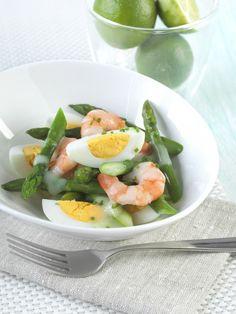 Summer BBQ ideas Egg, prawn and asparagus salad - Farm Pride Nutritional Value Of Eggs, Asparagus Salad, Nutrition Activities, Summer Bbq, Prawn, Egg Recipes, Caprese Salad, Tuna, Cantaloupe