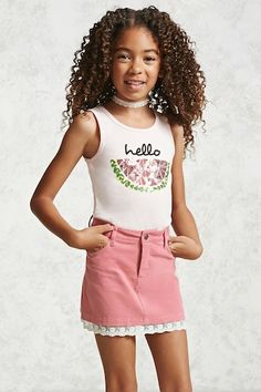 Forever 21 Girls - A corduroy skirt featuring a scalloped floral lace hem, slanted front pockets, belt loops and a zip fly. Kids Fashion Boy, Tween Fashion, Young Fashion, Little Girl Fashion, Outfits Niños, Cute Girl Outfits, Cute Outfits For Kids, Fashion Outfits, Tween Mode