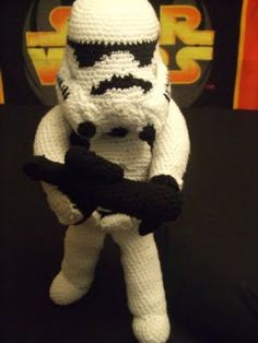 Music, Corsets and Star Wars: Crochet StormTrooper Star Wars Crochet, Crochet Geek, Crochet Stars, Crochet Crafts, Crochet Dolls, Crochet Baby, Crocheted Toys, Star Wars Crafts, Geek Crafts