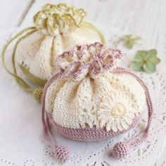 1000+ images about Crochet batwa on Pinterest Sachets, Crochet bags ...