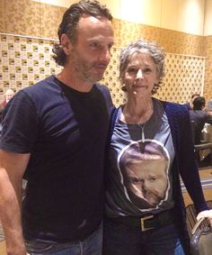 The Walking Dead.Two cuties- andrew lincoln and melissa mcbride at SDCC 2015 The Walking Dead 3, Walking Dead Season, Dead Still, Mejores Series Tv, Daryl And Carol, Talking To The Dead, Melissa Mcbride, Dead To Me, Great Tv Shows