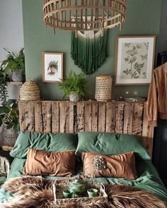 How To Create The Perfect Boho Chic Bedroom Discover all the elements you need to create the perfect boho bedroom. Beds and bedding, rugs, furniture, lighting and more are all covered! Boho Chic Bedroom, Boho Room, Modern Bedroom, Bedroom Rustic, Bohemian Style Bedrooms, Home Bedroom, Bedroom Decor, Bedroom Ideas, Bedroom Green