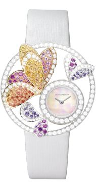 A Boucheron creation tells a Story, that of the Maison and your own.