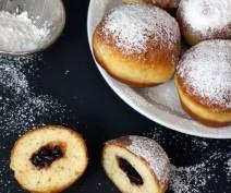 Pączki z patelni - PrzyslijPrzepis.pl Doughnut, Hamburger, Bread, Food, Brot, Essen, Baking, Burgers, Meals