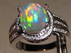 Fascinating Wello Opal & VS Diamond Ring 14k White Gold : FlashOpal.com, Home of 100% Natural Gem Grade Opal