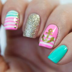Just like most women, I like the wonderful summer time so much that I decide to dress up for this beautiful season. You can wear all smart dresses and shorts to show off your nice figure. Yet, a true diva should not neglect the details. So, our nails should also be decorated. In this post, …