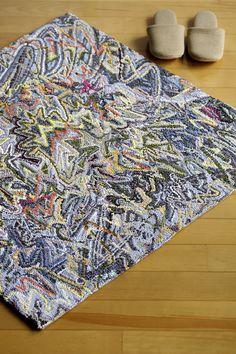 Zigzag hand hooked rug