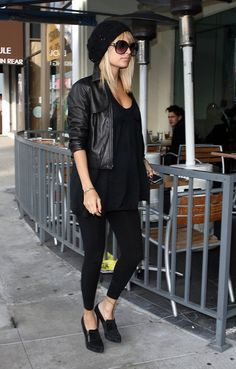 love this black outfit look