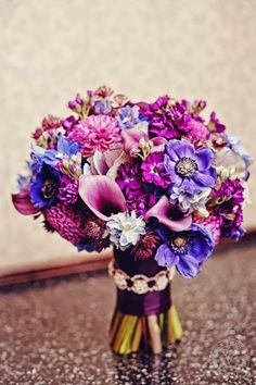 Gorgeous shades of purple ~  Sarah Babcock Studio, Floral V Designs | bellethemagazine.com