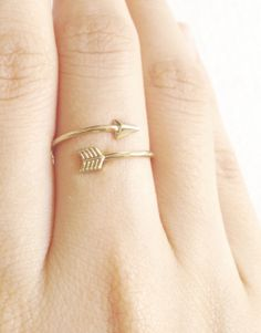 7,50€ - GOLDEN ARROW RING   SRTALAURIS, jewelry&design Arrow Ring, Pi Beta Phi, Silver Rings, Jewelry Design, Minimal, Aesthetics, Goals, Shop, Handmade