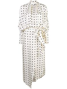 All day dresses. Never be stuck without something to wear with our collection of designer day dresses at Farfetch. Polka Dot Shirt, Polka Dots, Fashion Dresses, Women's Fashion, Fashion Design, Silk Midi Dress, Looks Chic, Black White Fashion, African Print Fashion
