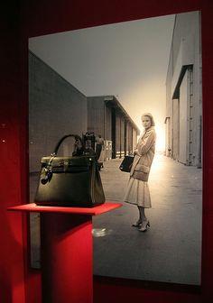 Hermes and Grace Kelly. Grace Kelly, Patricia Kelly, Kelly Bag, Jane Birkin, Hermes Birkin, Princesa Carolina, Hermes Kelly, Evening Bags, Bag Making