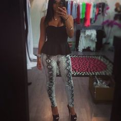 Peplum and Snakeskin Leggings Style And Grace, My Style, Winter Outfits, Summer Outfits, Classy Ideas, Style Diary, Peplum Shirts, Gym Gear, Retail Therapy