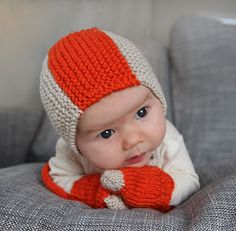 I will never have an occasion to knit this one, but it's soooooooo cute...  Hope you moms (future moms) will take note !