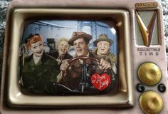 NEW I LOVE LUCY TIN LUNCH BOX in Collectibles, Pinbacks, Bobbles, Lunchboxes, Lunchboxes, Thermoses | eBay Tin Lunch Boxes, I Love Lucy, Hillbilly, New Me, Metal, Decor, Decoration, Metals, Decorating