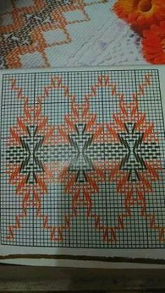 Vagonite Huck Towels, Swedish Weaving Patterns, Swedish Embroidery, Chicken Scratch Embroidery, Cat Cross Stitches, Monks Cloth, Hello Kitty Wallpaper, Bead Loom Patterns, Bargello