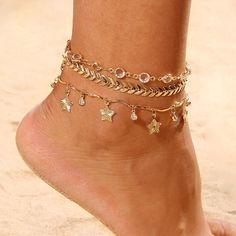 Meaningful Anklet #ankletwithname Ankle Jewelry, Cute Jewelry, Women Jewelry, Ankle Bracelets Gold, Ear Jewelry, Leg Chain, Crochet Barefoot Sandals, Anklet Designs, Women Legs