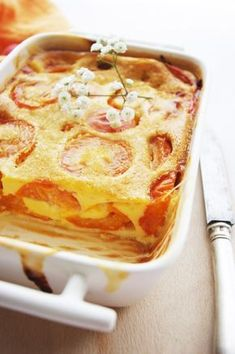 clafoutis moelleux à l'abricot No Cook Desserts, Summer Desserts, Sweet Recipes, Cake Recipes, Mexican Dessert Recipes, Food And Drink, Cooking Recipes, Moment, Apricot Dessert