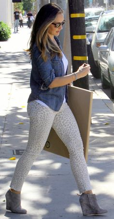 Minka Kelly. Love the outfit