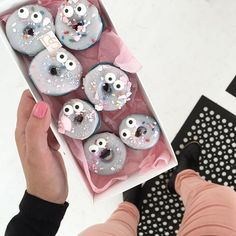 These donut macarons  look a bit worried @baredfootwear