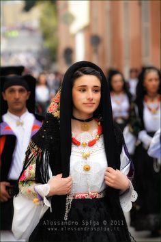 サルデーニャ島・オリエーナの民族衣装