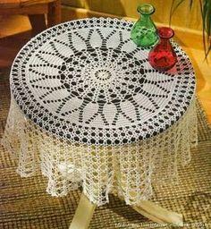 Coisinhas da Dri: Toalha de mesa redonda em croche