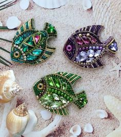VK is the largest European social network with more than 100 million active users. Bead Crafts, Jewelry Crafts, Jewelry Art, Beaded Jewelry, Bead Embroidery Jewelry, Fabric Jewelry, Beaded Embroidery, Handmade Accessories, Handmade Jewelry