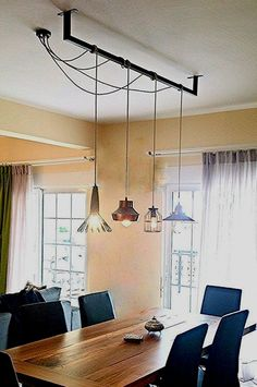 Dining Room Design: Take a look at this dazzling dining room lighting with an amazing dining room decor Kitchen Lighting Fixtures, Dining Room Lighting, Home Lighting, Lighting Design, Lighting Ideas, Pendant Lighting Over Dining Table, Modern Lighting, Lighting Solutions, Bar Lighting