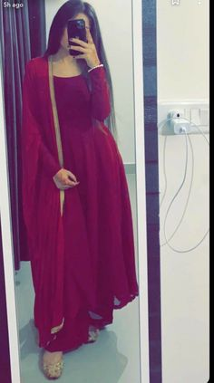 Pakistani Fashion Casual, Pakistani Dresses Casual, Pakistani Dress Design, Indian Fashion, Beautiful Pakistani Dresses, Fashion Mask, Pakistani Suits, Punjabi Suits, Punk Fashion